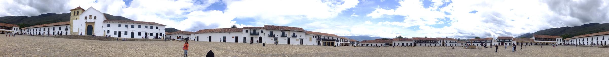 La plaza mas grande de Colombia esta en Villa de Leyva Boyaca